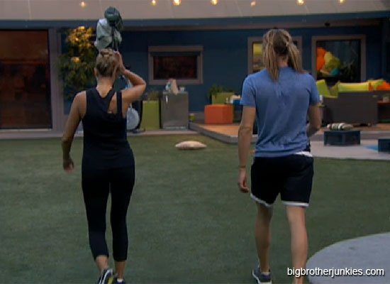 bb14 kara and wil walking