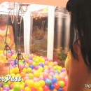 bigbrother14-ballgrab