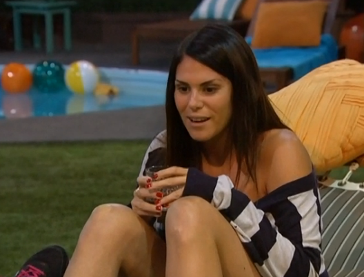 bb15-amanda-talking