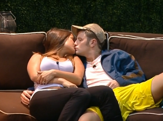 bb15-jessie-judd-kissing