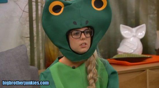 nicole-frog